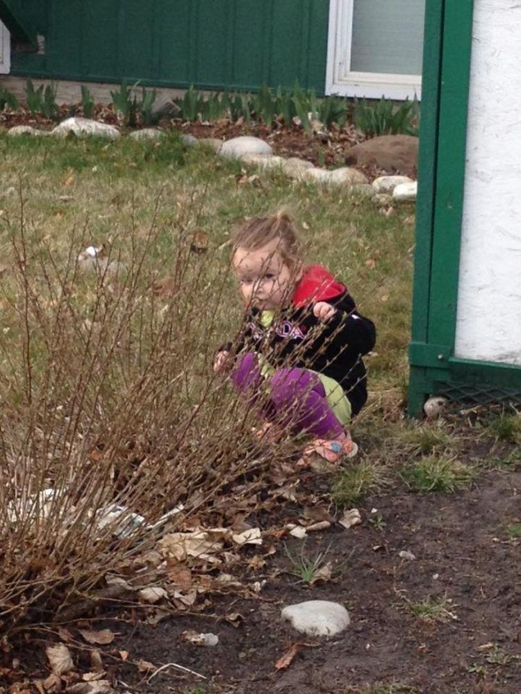 Почему дети любят прятки?