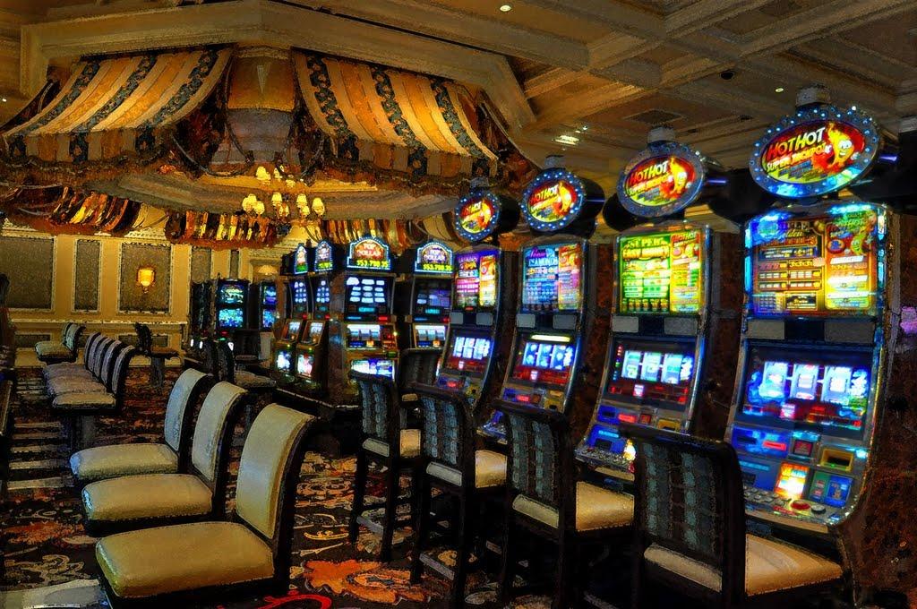 Две новых игровых автомата в казино Фрислотс