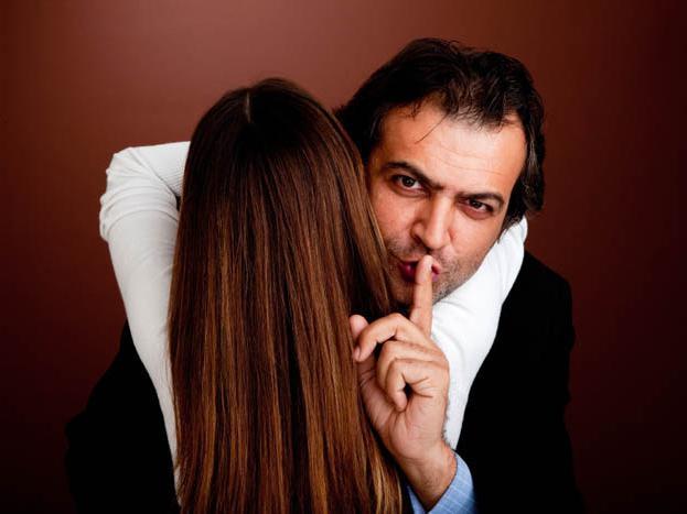 Женская наивность, против мужского цинизма