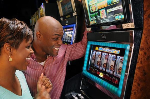 Игровой автомат Boom Brothers в казино Вулкан